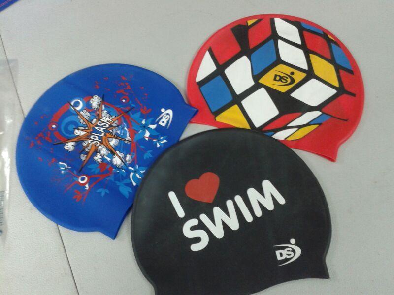 Gorros personalizados y bañadores técnicos en TNT DS Levante  3640409fff2